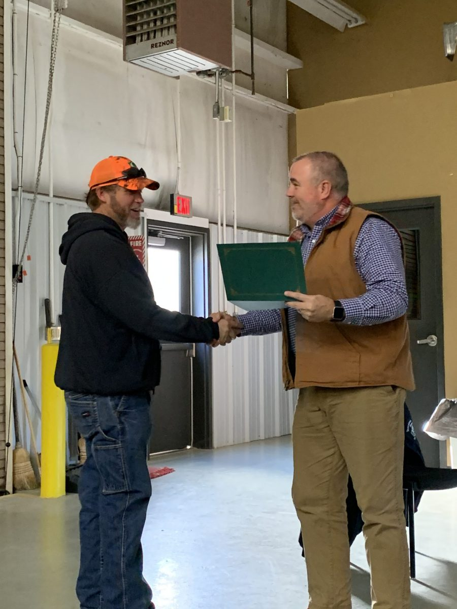 2019 Basic SCL Recipient Shane Lowery with Meriwether Lewis Electric Cooperative CEO Keith Carnahan